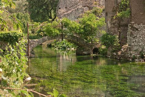 giardini della ninfa 6 giardino di ninfa 30 jpg 945 215 633 pixel italia