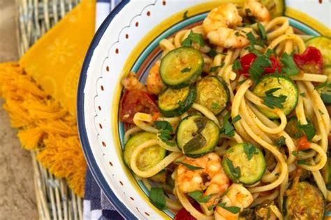 come cucinare una zucchina la zucchina ortaggi zucchina verdura