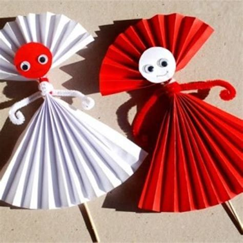 Paper Doll Craft Ideas - 17 best ideas about construction paper flowers on