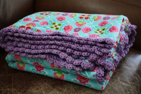 crochet fleece blanket pattern crochet edge fleece blankets craftymommytogo