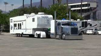 Wheels Truck Hauler Tractor Fifth Wheel Semi Truck Motor Home