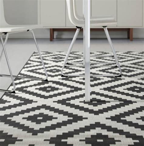 Sillerup Karpet Bulu Tipis Hitutih 200x300 Cm jual ikea lappljung ruta karpet bulu tipis putih putih hitam 200x300 cm ikea freak