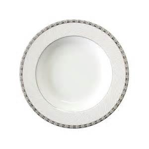 assiette cuisine assiette porcelaine table de cuisine