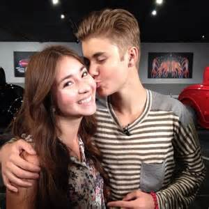 Justin at mtv chat with fans may 3 justin bieber photo 30722449