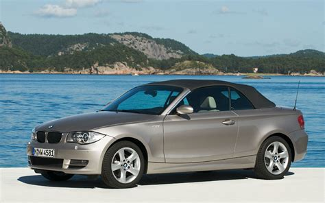 Bmw 1 Series Base Price by 2008 Bmw 1 Series Convertible Drive Motor Trend