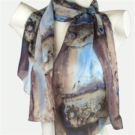 container rust scarf for australian themed
