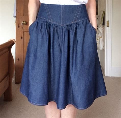 pattern review crescent skirt sewing patterns pattern reviews for sewaholic patterns
