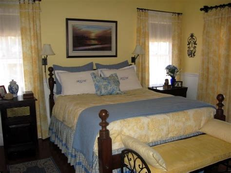 blue white yellow bedroom 17 best images about yellow blue bedroom ideas on