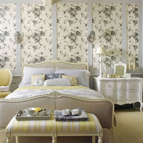 florales schlafzimmer yellow floral bedroom country bedroom idea housetohome