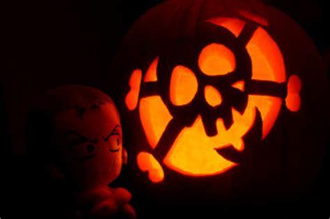 halloween is a pirate radio holiday radio survivor