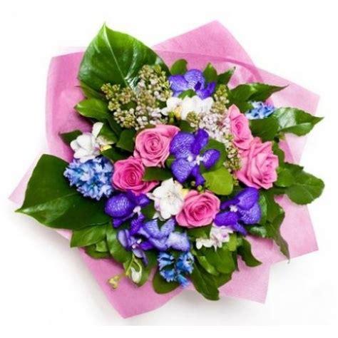 bouquet di fiori immagini compleanno