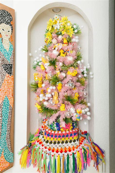 blonde vintage christmas tree treetopia using vintage easter decorations on a tree treetopia