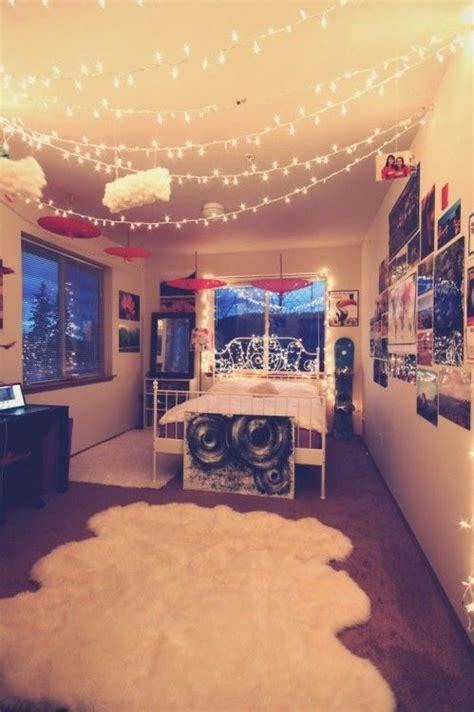 christmas lights in bedroom pinterest christmas lights in the bedroom paper lanterns