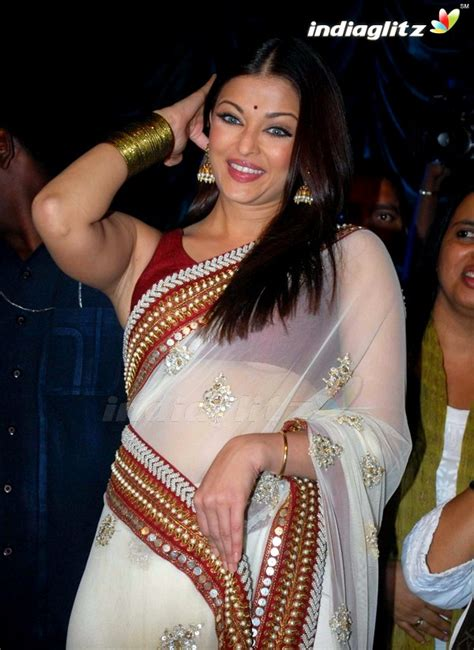 Wardrobe Malfunction Pics by Everything Aishwarya Wardrobe Malfunction
