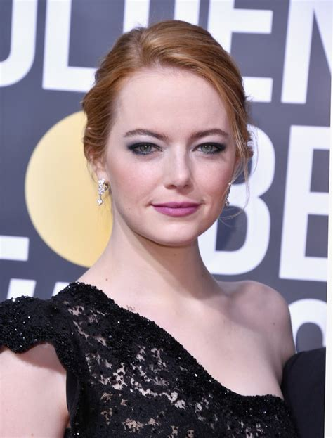 emma stone feminist emma stone s makeup at the 2018 golden globes popsugar