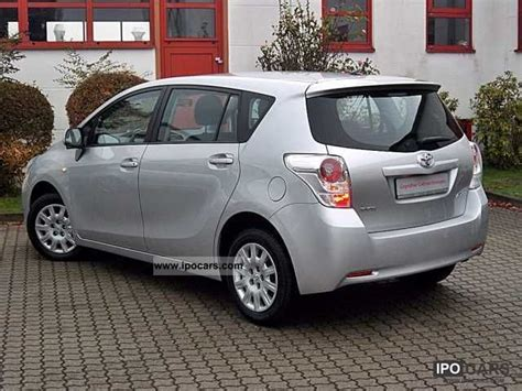 2009 toyota verso 1 6 7 seater car photo and specs