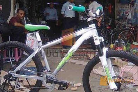 Sepedah Balap Original Triban Triban 100 Road Bike jual macam macam sepeda anak anak sepeda dewasa sepeda balap jualo