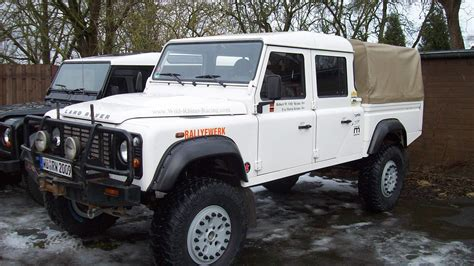 land rover 130 2012 land rover defender 130 pictures information and