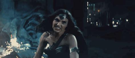 imagenes de wonder woman en batman vs superman the new batman v superman trailer gives us our first