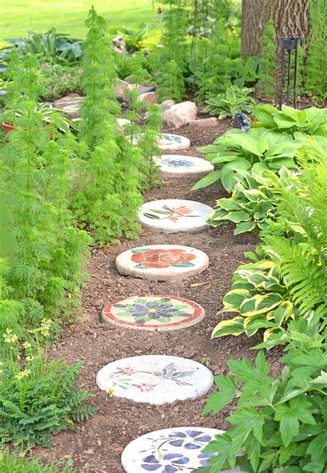 stepping stones garden smalltowndjs