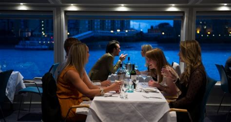 thames river cruise restaurant bateaux london harmony river thames dinner cruise save 10