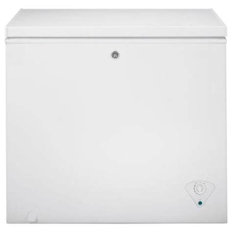 ge 7 0 cu ft chest freezer in white fcm7shww the home