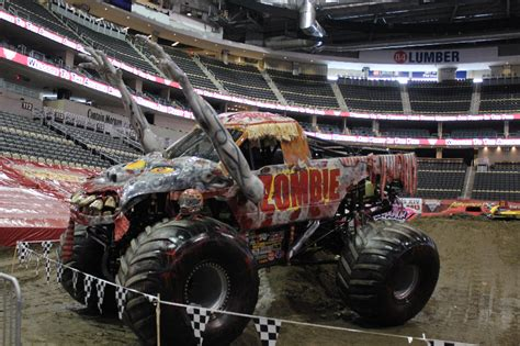 monster truck jam pittsburgh pittsburgh pa monster jam 2 16 13 2pm show
