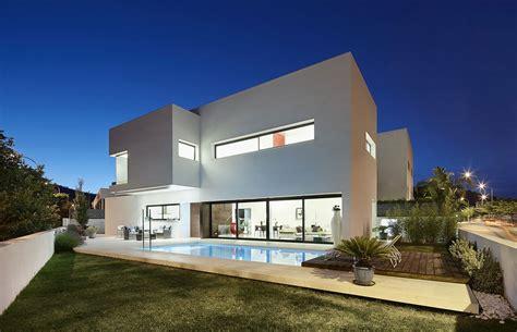 haus y dise 241 o de casa con piscina de dos pisos construye hogar