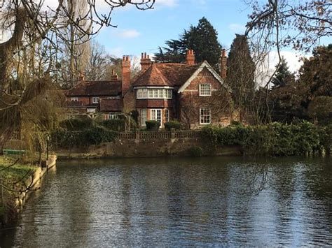 george michael hopes flooding river thames won t wreck his george michael s house mill cottage goring on thames
