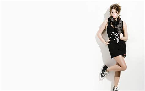 wallpaper girl full size fashion wallpaper 2346 2560 x 1600 wallpaperlayer com
