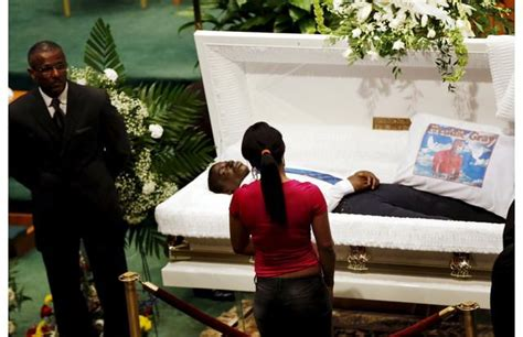 celebrity casket photos 40 best images about photos of open casket funerals on