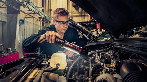 automotive  automotive technician