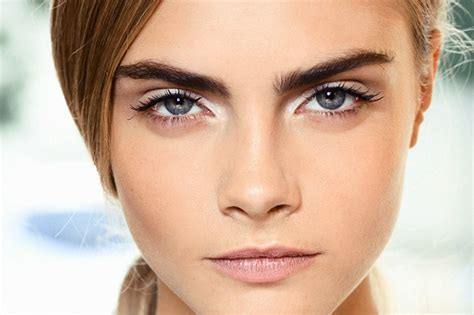 11 different ways to use white eyeliner pencil