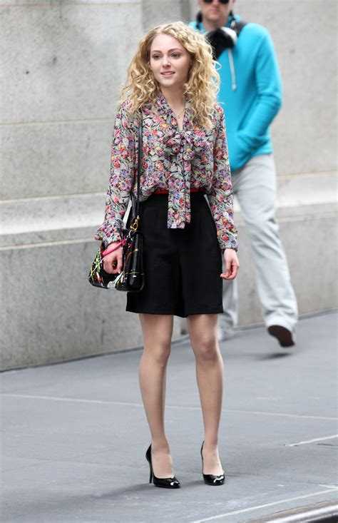 Carrie Diaries Wardrobe by The Carrie Diaries Put On The Tights Fashionmylegs The