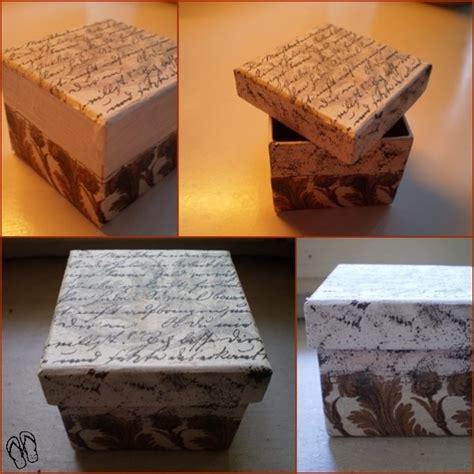 Come Decorare Scatole Di Cartone by Scatola Di Cartone In Decoupage