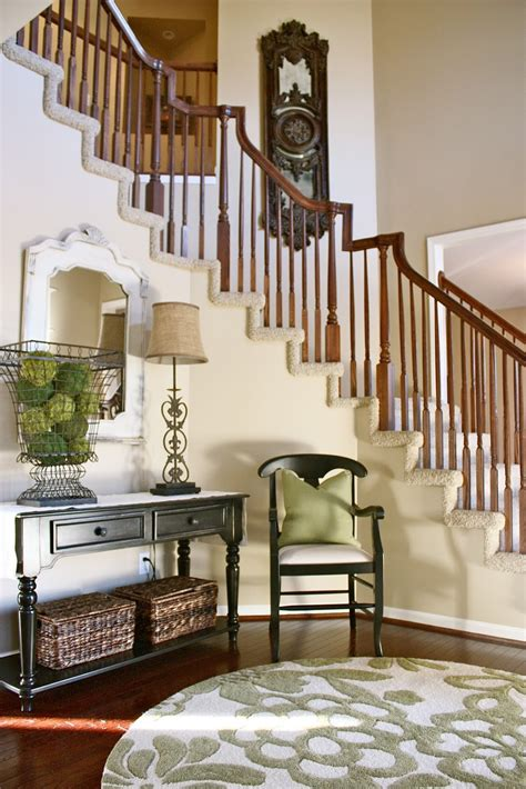 How To Decorate Entrance Hallway