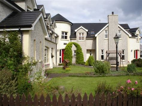 self catering cottages in northern ireland crockatinney self catering cottages ballycastle northern