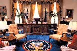 bill clinton oval office decor has anyone seen my glasses the oval office