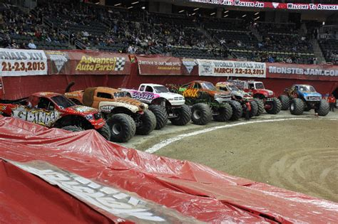 monster truck show pittsburgh pittsburgh pa monster jam 2 15 13 7 30pm show