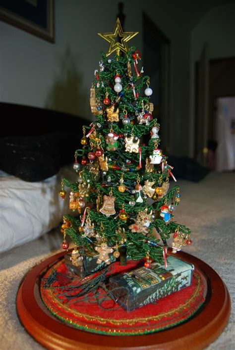 decorate small tree 40 easy tree decorating ideas