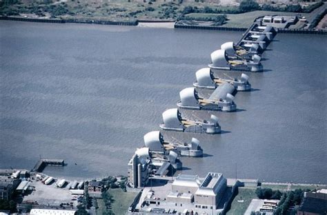 thames barrier london flooding thames flood barrier 1984 london pinterest