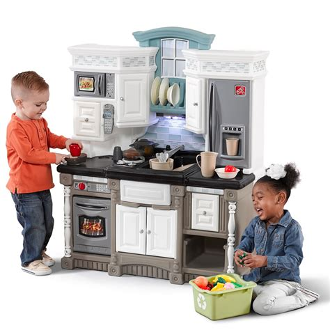 child kitchen kitchen with play food set step2