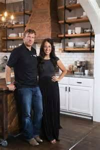 how to get on hgtv fixer do the people on hgtv s fixer upper keep the furnishings