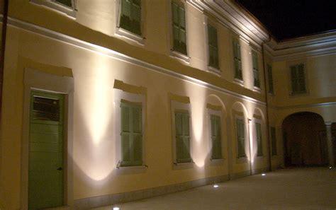 illuminazione facciate esterne illuminazione per facciate esterne faretti giardino