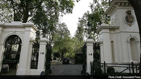 how many homes do the clintons own mukesh ambani s antilia tops forbes 2014 pricey
