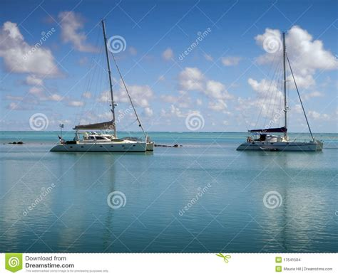 catamaran charter dreams s l u charter boats moored inside the reef stock images image