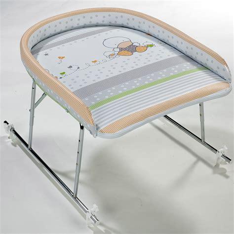 plan a langer pour baignoire plan a langer pour baignoire adulte table de lit a roulettes