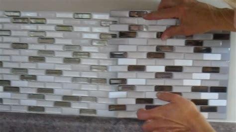 carrelage auto adh駸if cuisine frise salle de bain adhesive