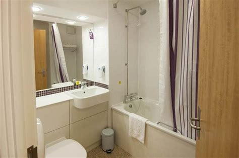 premier bathrooms reviews premier inn london chingford hotel updated 2017 prices