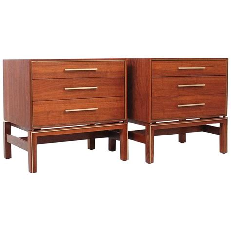Johnsons Furniture by Pair Of Nightstands By Johnson Furniture For Sale At 1stdibs